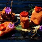 Ricetta dello Chef Luca Giannone. Pacchero di gragnano gluten free farcito con mousse di ricotta salata, impanato e fritto e servito su crema di melanzane e pomodori confit